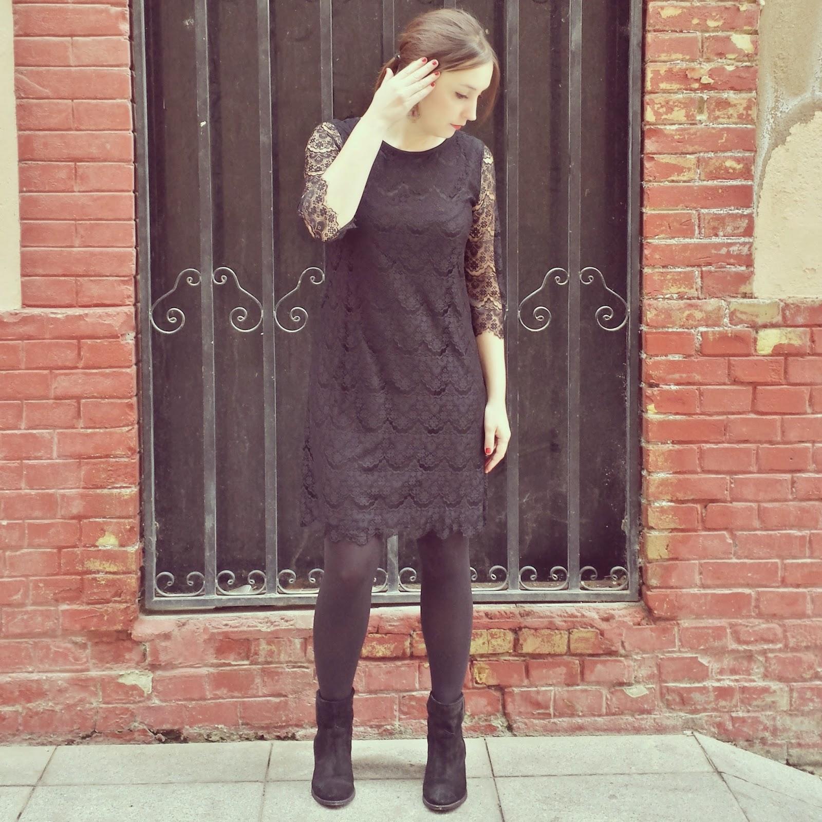 Vestido de encaje de ICHI, ideal para una noche de fin de año y muy elegante