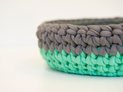 Green Grey Crochet bowl 03 by welaughindoors