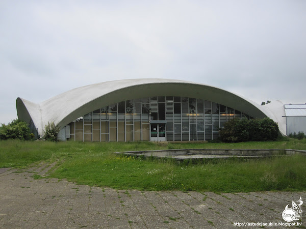 Saint-Fargeau-Ponthierry - Magasin jardinage - Florelites  Architecte / concepteur: Heinz Isler   Construction: 1976 - 1977