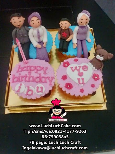 Cupcake Ulang Tahun Tema Keluarga Untuk Ibu