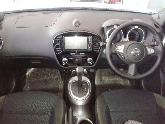 Interior Nissan Juke RX Putih