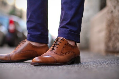Formal socksless fashion trends