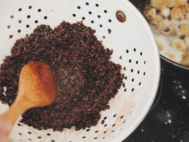 carrilleras con vino y curry y arroz venere