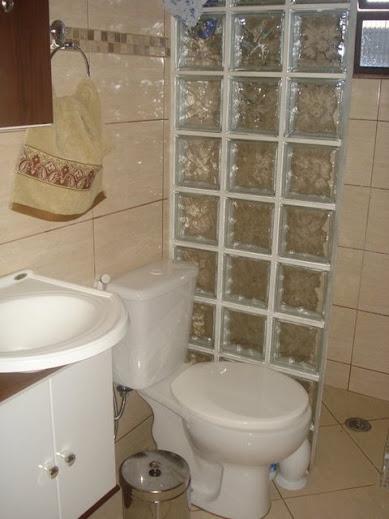 Blog da Gui De tudo (que eu gosto) tem um pouco -> Armario De Banheiro Feito De Tijolo De Vidro