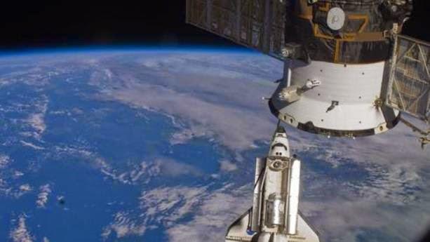 Το Endeavour διαστημικό σκάφος προσεγγίζει το Διεθνή Διαστημικό Σταθμό (ISS): Αυτό ήταν το 2010.