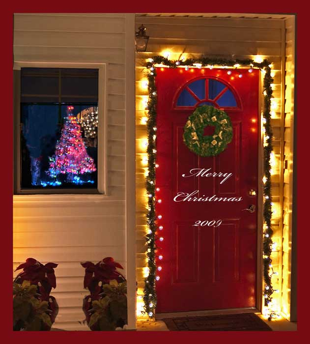 Pictures of christmas door decorating latest fashion 360 for How to decorate apartment door for christmas