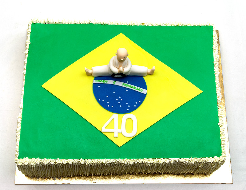 Brasil karate champ cake top front