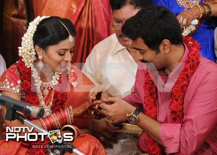 engagement tamil actress sneha wedding photos sneha tamil actress ...