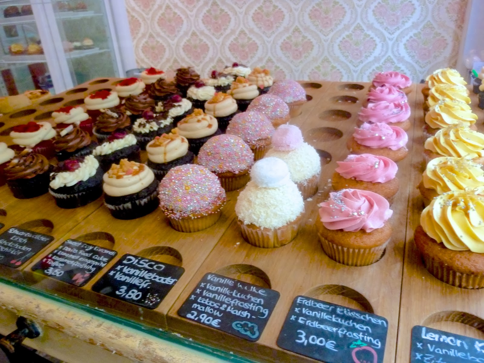 store cupcakes