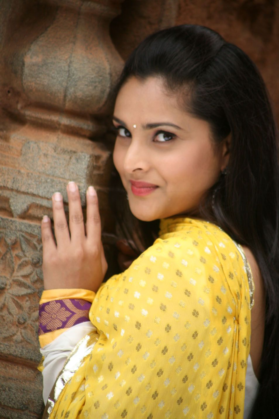 divya spandana latest photos