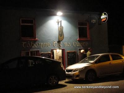 O'Sullivan's Courthouse Pub in Dingle town, Ireland