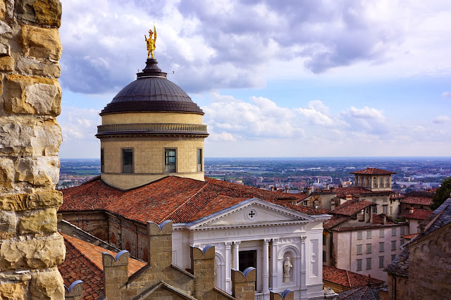 Image of Bergamo Cathedral.