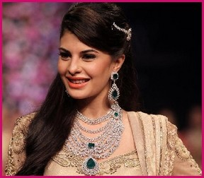 Jacqueline fernandez stuns In Pc Jeweller at INTL fashionweak 2013