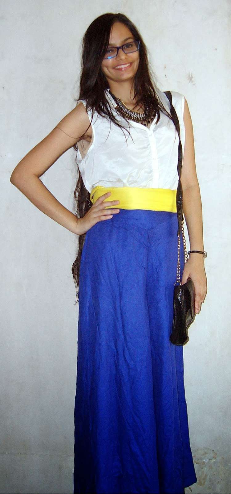 blue palazzo pants, white shirt, yellow belt, street shopping, thrifty shopping, colaba causeway shopping