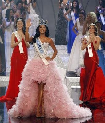 http://4.bp.blogspot.com/-FkzxFcI-CHk/Trc2ZUlZH0I/AAAAAAABBHg/IqPZE-_g6ic/s400/Miss-World-2011-IvianSarcos.jpg