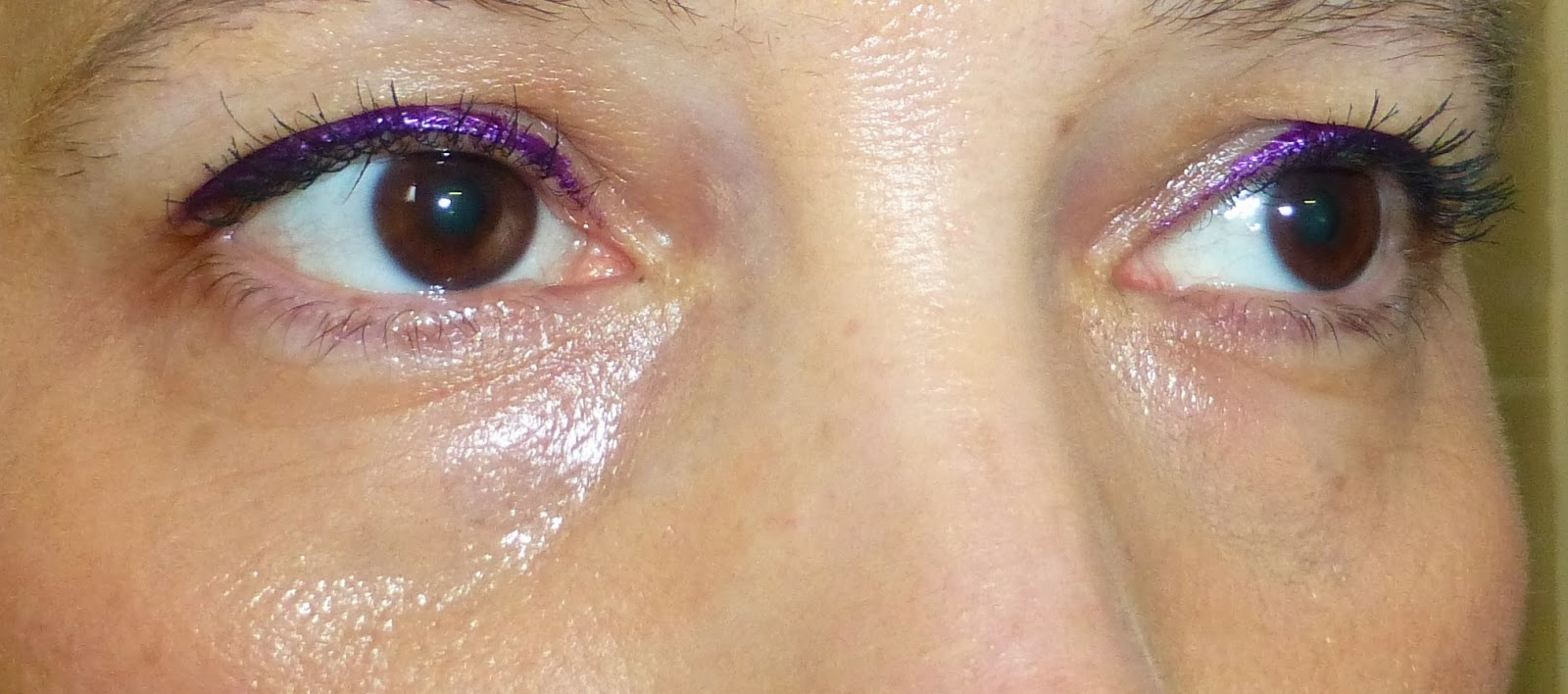 MAC Mineralize Concealer applied under eyes