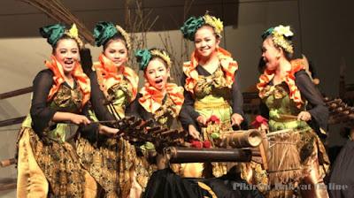 Sanggar Langgir Badong Lestarikan Musik Bambu