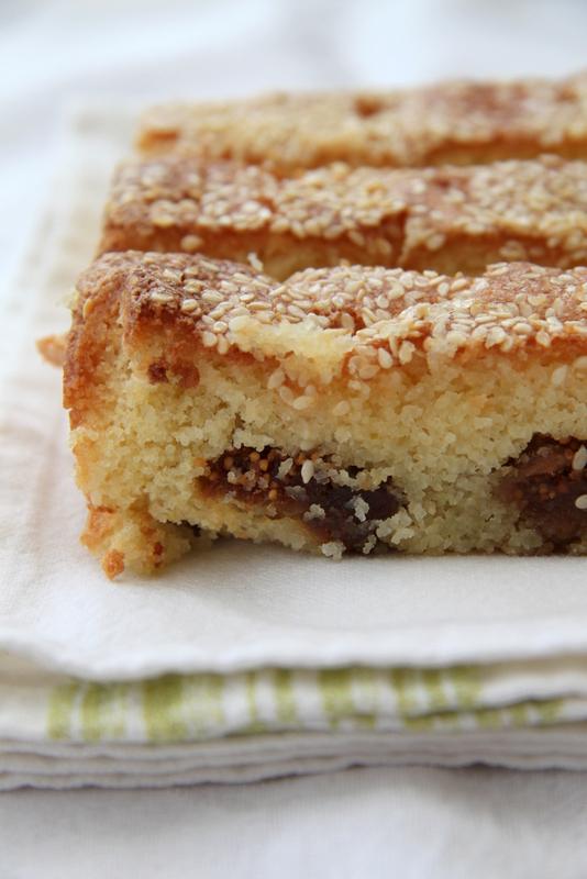 Tureckie ciasto z figami i sezamem