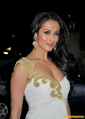 Malaika Arora arrives for the Filmfare Awards at Yash Raj Studio Mumbai_FilmyFun.blogspot.com