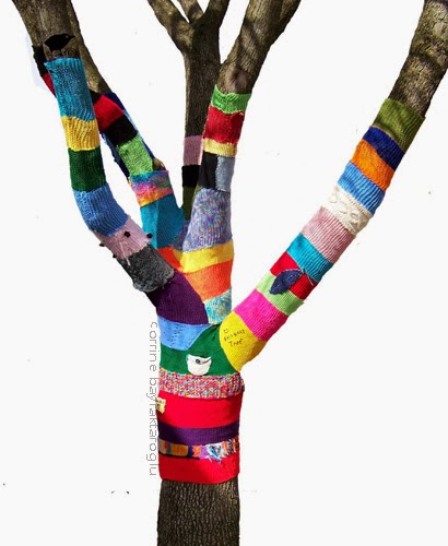 yarnboming, knit graffiti, tree cozy, jafagirls