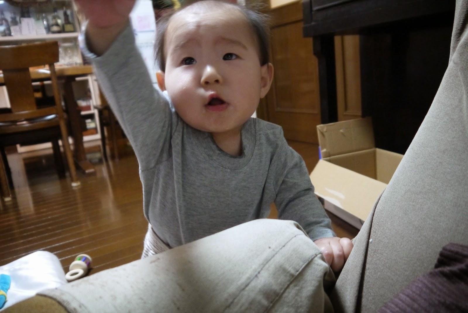 赤ちゃん バイバイ
