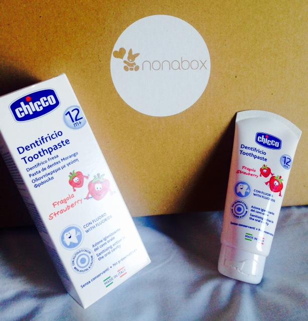 nonabox-septiembre-productos-bebe-mama-chicco-dentífrico