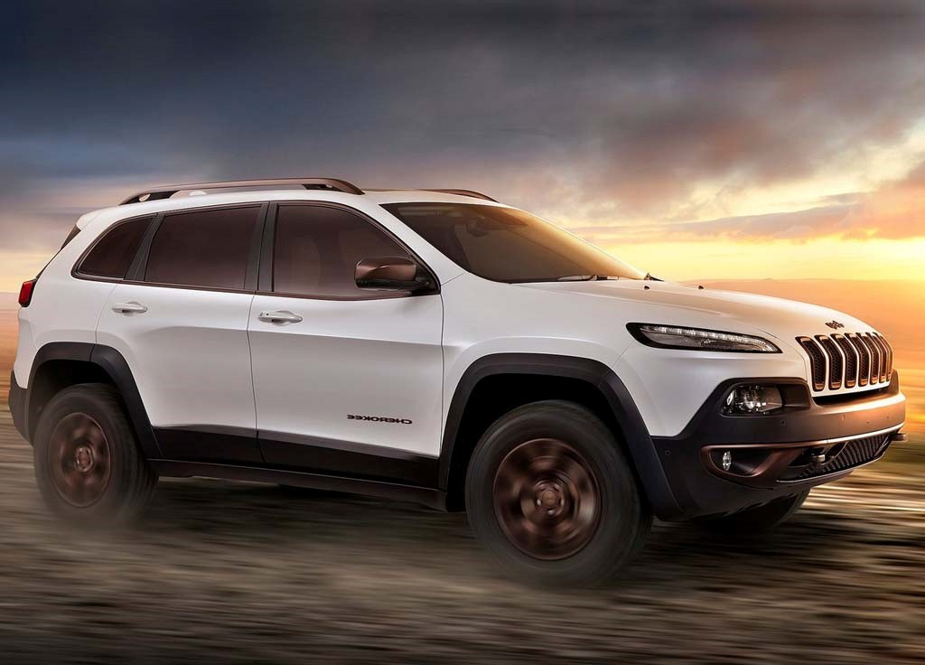 The New Cherokee Shares Its Underpinnings With The Chrysler 200, Dodge Dart  And New Parent Company Fiat 500L, Before Adding Its Newly Styled Body.
