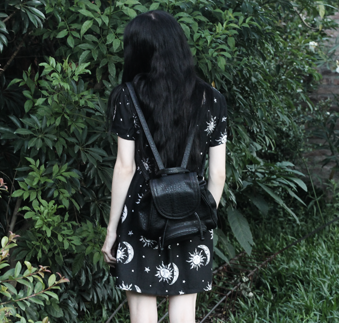 outfit,black,dress,motel,rocks,sun,moon,pale,grunge,gothic,ideas,backpack,blogger,argentina,jenn,potter,nature,isadora,mochila