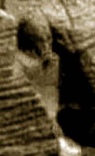 Extrañas fotografías de Marte - estatua Egipcia