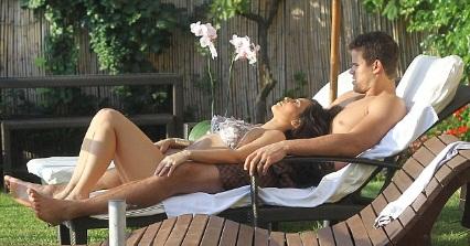Foto Seksi Dan Mesra Bulan Madu Kim Kardashian