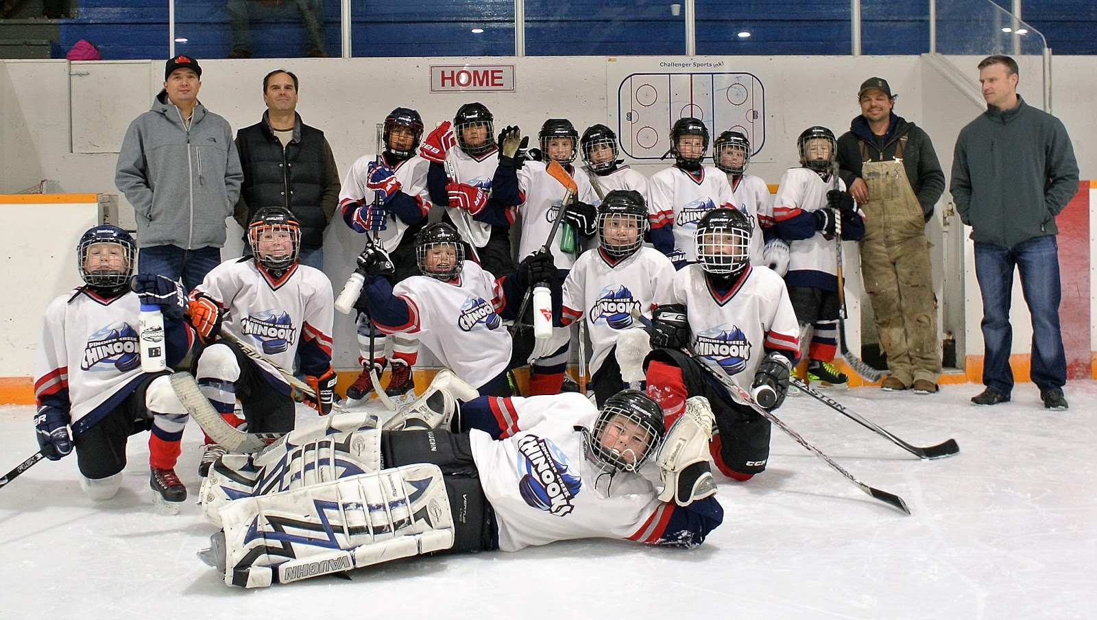 Pincher Creek Voice Pincher Creek 39 S Atom Chinooks Off To A Good Start At Home Tournament
