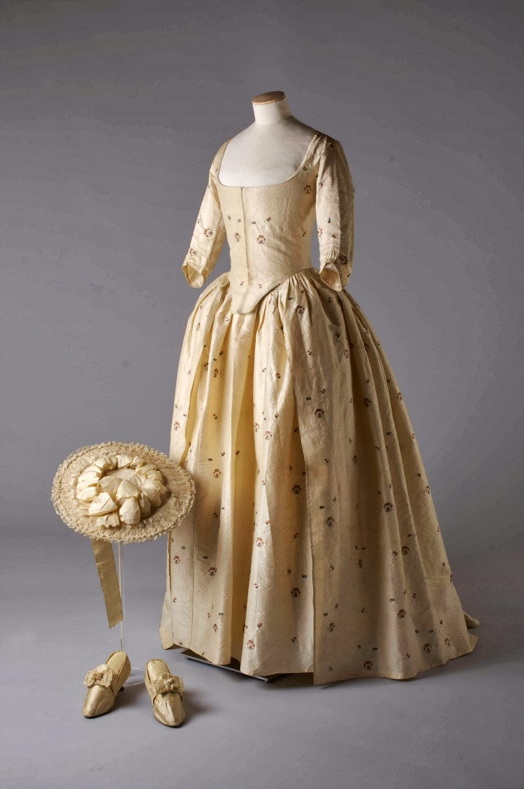 Heavenly Vintage Wedding Blog, Wedding Dresses 1775-2014 at the V&A