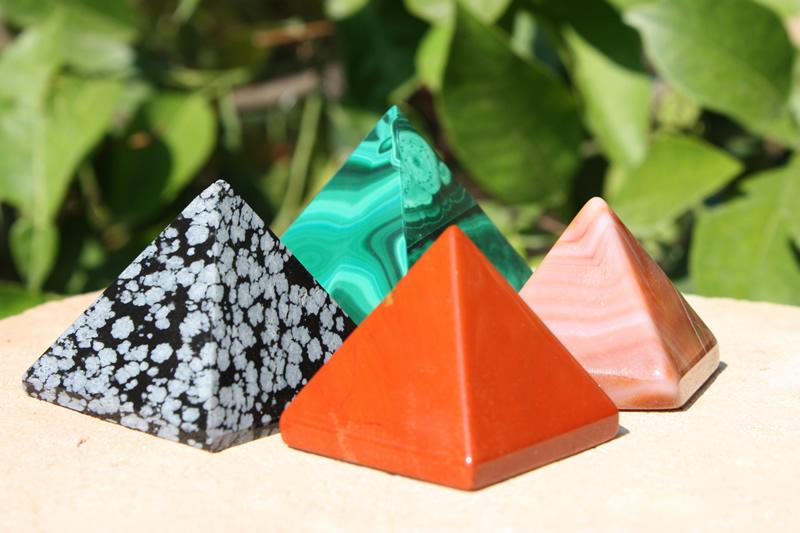 pyramides en pierre les secrets d 39 egypte aromasud le blog. Black Bedroom Furniture Sets. Home Design Ideas