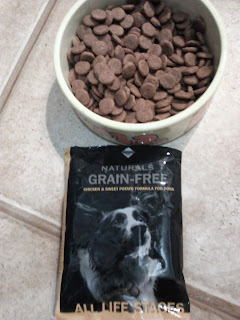Food in bowl with Diamond Naturals sample bag