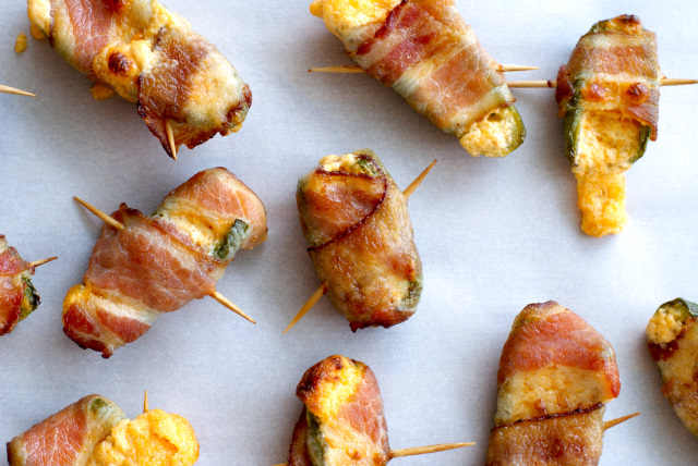 Bacon-Wrapped Jalapeño Poppers | thetwobiteclub.com