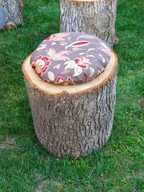 stump seating
