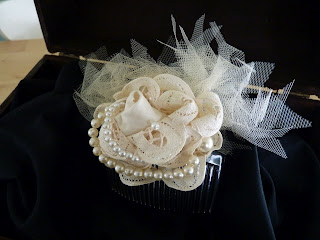 detalle tocado novia rosa vintage