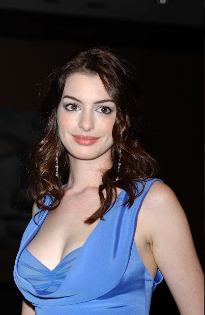 Anne Hathaway  Hot Photos