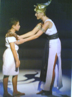 رقصة إستعراضية لتوت عنخ امون و زوجته - مسرحية موسيقية