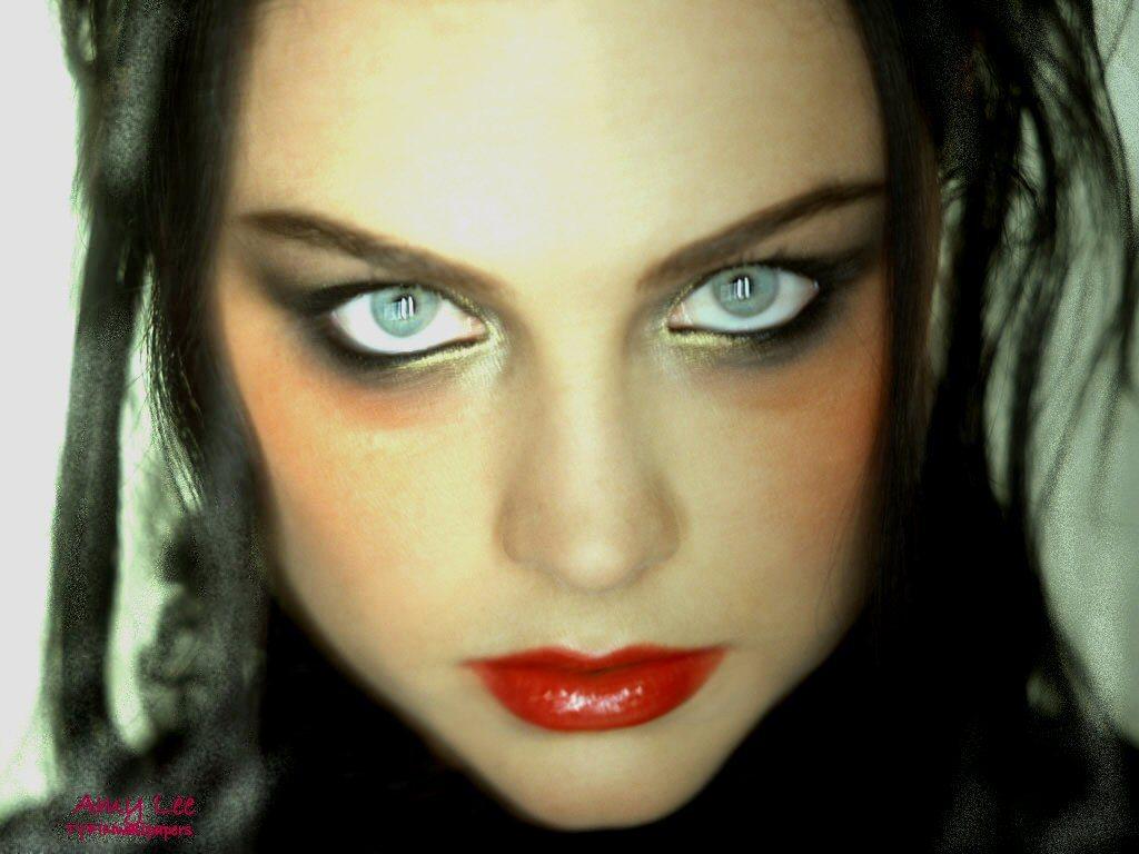 http://4.bp.blogspot.com/-Fmqxhh7QcX0/UHtSxINEviI/AAAAAAAADLA/7MtPCbzuNkw/s1600/3-Amy-Lee.jpg