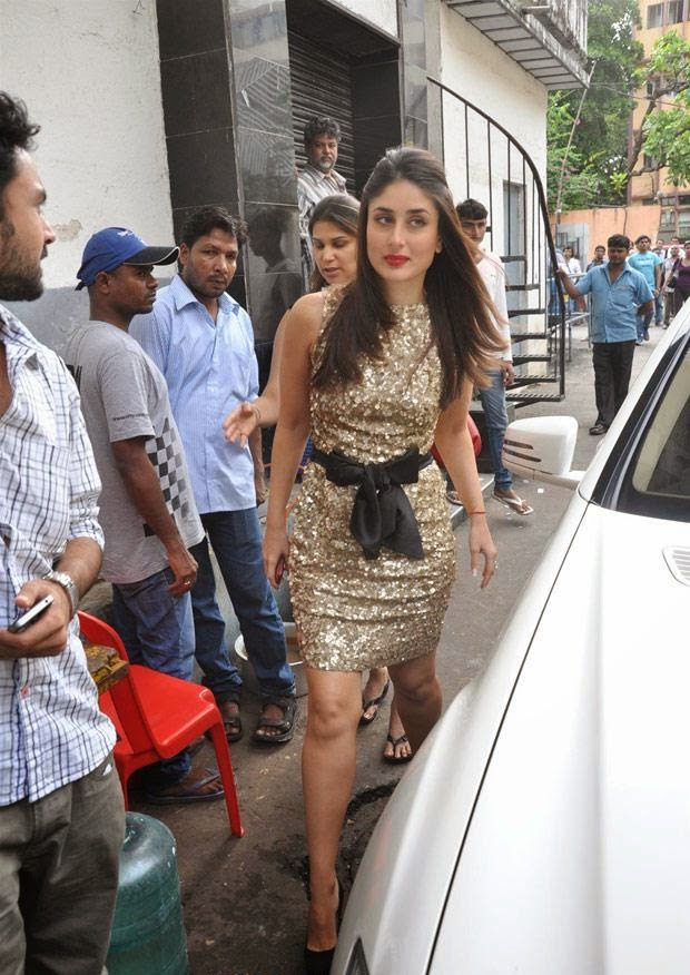 Kareena Kapoor In Golden Mini Skirt looks very Hot & Sexy HD Hot Pics