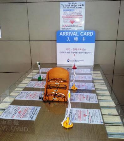 Havaalanı form doldurma masaları