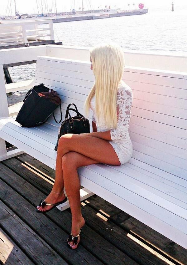 длинноногая блондинка фото