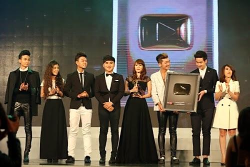 Nhóm BB&BG nhận giải Kênh giải trí có lượt xem nhiều nhất