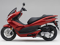 2013 Honda PCX150  Scooter pictures 1