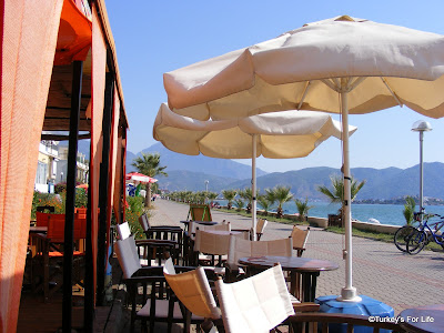 Bahane Bar On Çalış Beach