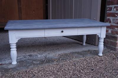 table-basse-patinée-gris-clair-ardoise-lille-nord