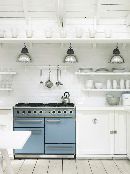 Country style chic vintage white love for Beach house kitchen ideas