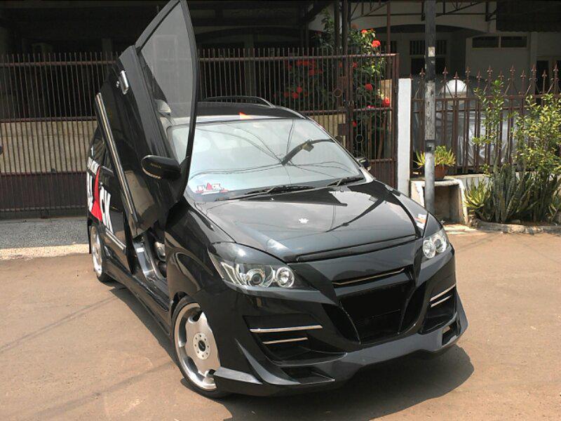 gambar modifikasi mobil daihatsu xenia