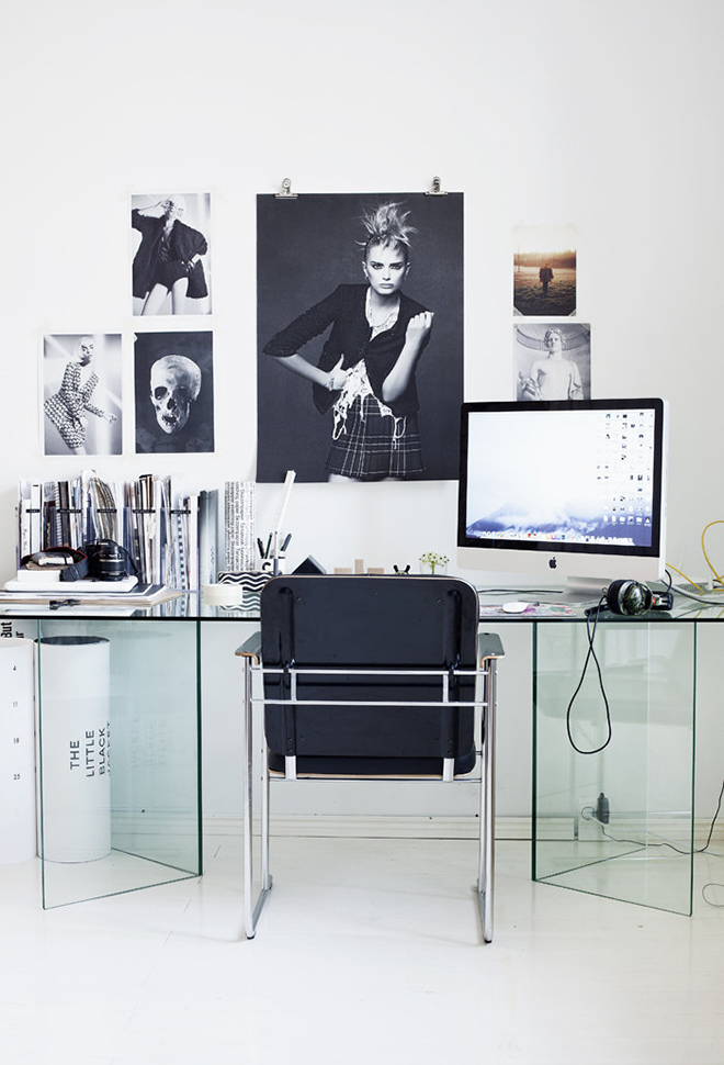 fashionblogger office, fashion work space, glass desk, black and white work space